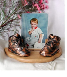 Personalized Baby Picture Frame on Small Bronzed Baby Shoes With Picture Frame   Peoria Awards   Custom